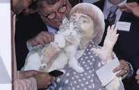 Аньєс Варда надіслала свою картонну фігуру на ланч оскарівських номінантів