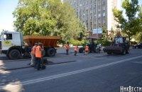 До приїзду президента в Миколаєві вдруге за літо ремонтують дорогу