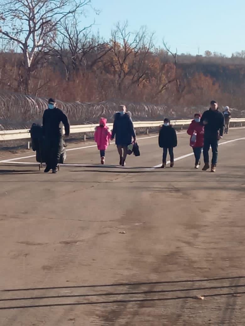 Украинские граждане, которым оккупанты запретили пересечение линии разграничения
