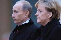 Путін розповів Меркель, що Україна на межі громадянської війни