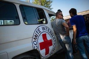 Красный Крест попал под обстрел возле Луганска