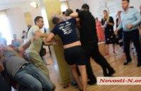 Зоозащитники подрались с директором коммунального приюта в Николаеве (обновлено)