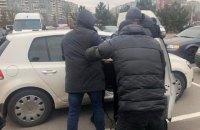 """Працівники воєнізованої охорони """"Укрзалізниці"""" вимагали 400 тис. у бізнесмена"""