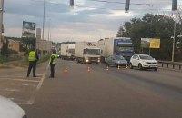 Полиция перекрыла Житомирскую трассу и создала 10-километровую пробку
