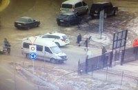 На кордоні з Польщею двоє чоловіків побилися з прикордонниками і закрилися в автомобілі
