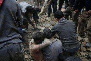 Число жертв землетрясения в Непале превысило 2 тыс. человек
