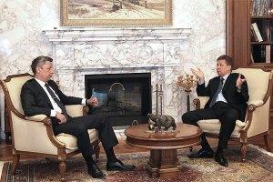 Бойко обсудил с Миллером закачку газа в украинские хранилища