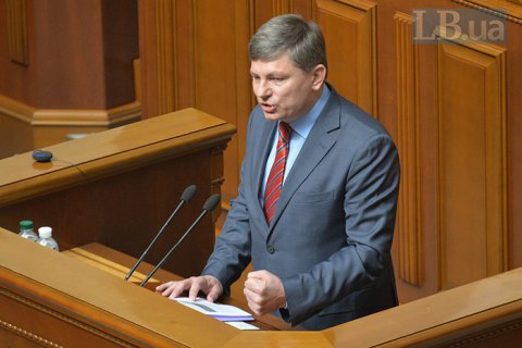 Порошенко присвоил высший дипломатический ранг нардепам Арьеву и Герасимову