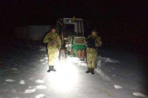Українець на тракторі намагався перевезти в Росію понад 3 тонни м'яса