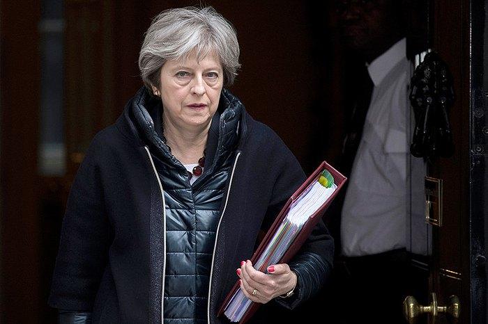 МИД: Высылка английских дипломатов неменяет позиции Лондона поделу Скрипаля