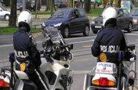 Полицейские будут носить «очки против плевков»