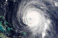 """Ураган """"Фабио"""" набирает силу у побережья Мексики"""