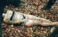 """Реалістичні фото """"смерті"""" фотохудожниці переполошили Інтерпол"""