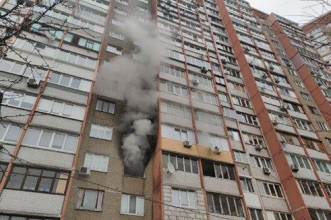 В Херсоне сгорела квартира на 7-м этаже: спасатели задействовали автолестницы (ВИДЕО)