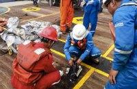 """Поисковую операцию на месте крушения """"Боинга"""" в Индонезии продлили на три дня"""