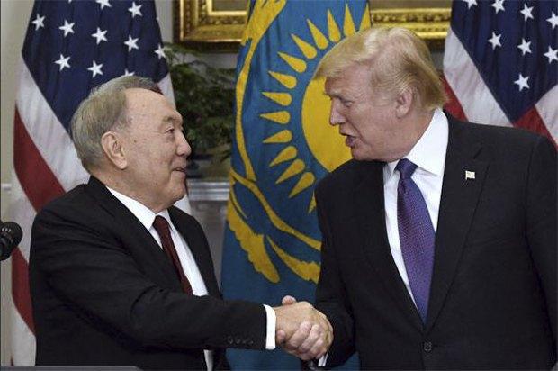 Нурсуртан Назарбаев и Дональд Трамп во время встречи в Вашингтоне, 19 января 2018