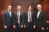Сенаторы США Джонсон и Мерфи встретились с генпрокурором и секретарем СНБО (обновлено)