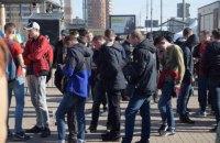 МВС: молоді люди біля ЦВК перебувають законно у зв'язку з поданою заявкою на мітинг