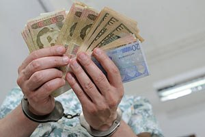 Співробітник СБУ попався на хабарі в 7 млн гривень