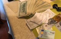 У Києві затримали шахраїв, які за $20 тис. обіцяли влаштувати начальником колонії