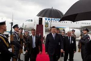 Янукович планирует посетить Индию