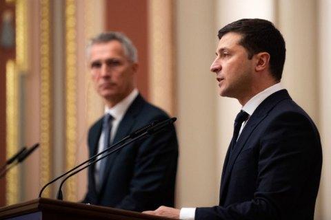 Зеленский провел телефонный разговор со Столтенбергом накануне саммита НАТО