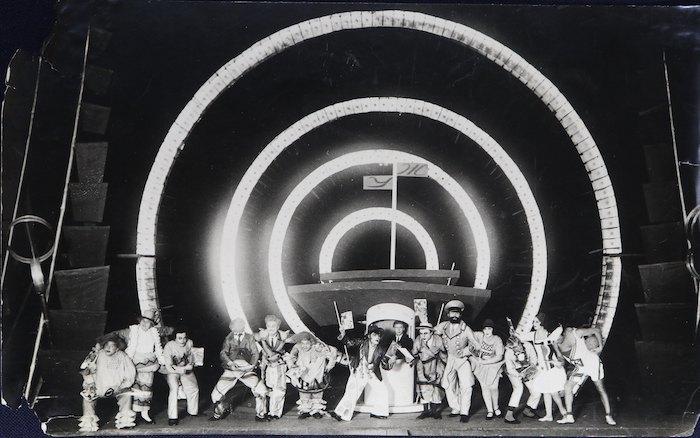 Алло на хвилі 477, 1929, театр Березіль