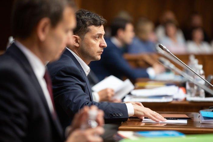 Президент Володимир Зеленський пiд час засідання КСУ