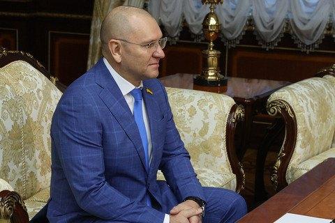 """""""Слуга народа"""" потребует объяснений от своего депутата за поездку к Лукашенко"""