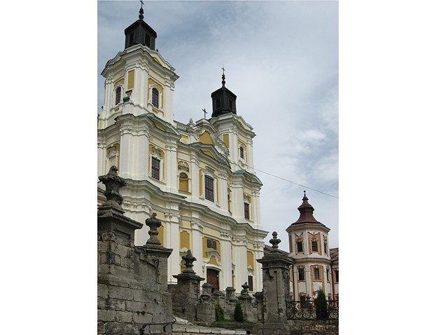 Балюстрада сходів – складова ансамблю єзуїтського колегіуму у Кременці. 1731 – 1743 р.