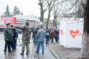 Киевская милиция снесла палатку депутатов-бютовцев