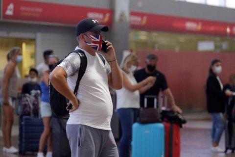 Україна поки що не закриватиме авіасполучення з Британією, де виявлено новий штам ковіду