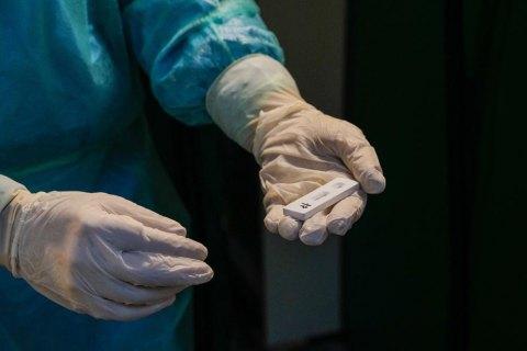 За добу в Україні – 591 випадок коронавірусу