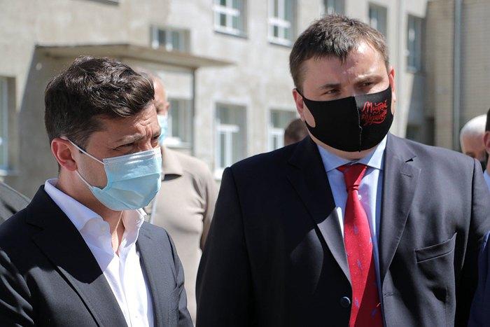 Юрій Гусєв і Володимир Зеленський під час візиту в область