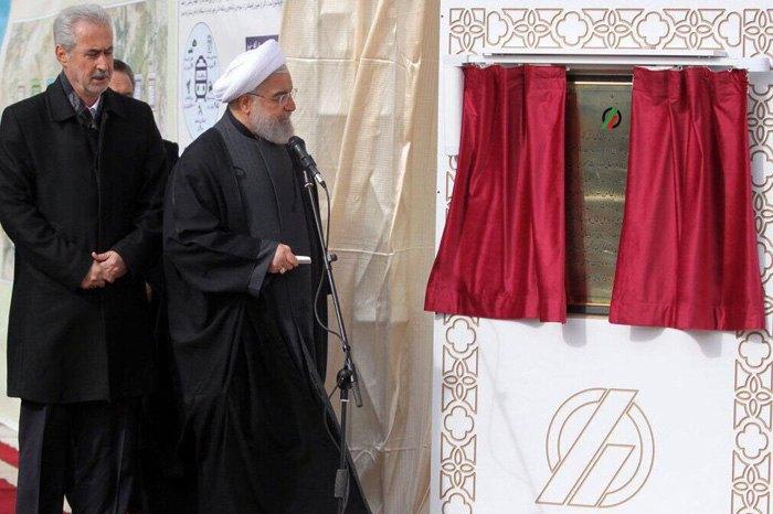 Президент Ирана Хасан Рухани во время запуска участка Мианех - Бостанабад, 27 ноября 2019.