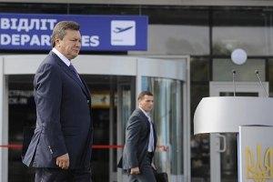 Янукович сегодня откроет терминал и уедет на границу