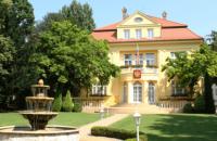 Словакия высылает трех сотрудников посольства России