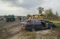 Автомобиль влетел на остановку в Харьковской области: погибла женщина