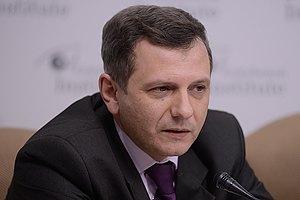 Устенко: доходы украинцев страдают от неработающего парламента