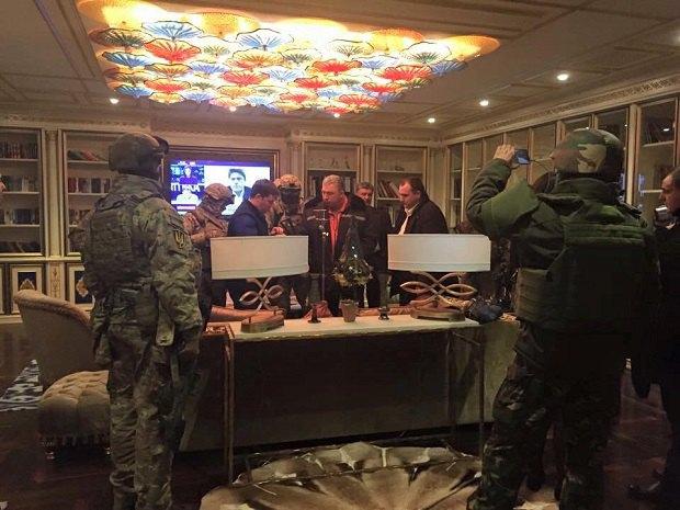 Обыск в квартире Геннадия Корбана в Днепропетровске