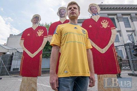 На рекламних плакатах ЧС-2018 з'явилися фото легендарних українських футболістів