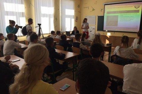 В Киеве директор предприятия присвоил 400 тыс. гривен, выделеных на ремонт школы