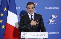 Фійон вибачився перед французами, але з виборів не знявся