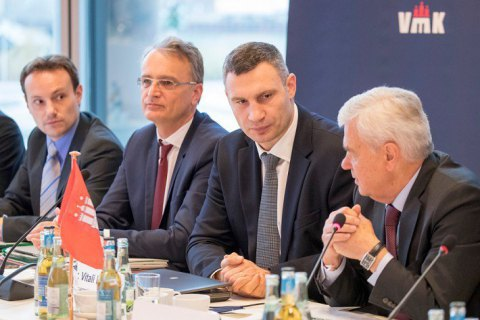 Кличко обговорив з німецькими міністрами алгоритм добудови Подільсько-Воскресенського моста