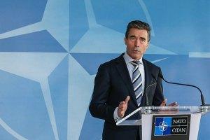 НАТО поможет Украине реформировать оборонный комплекс, - Расмуссен