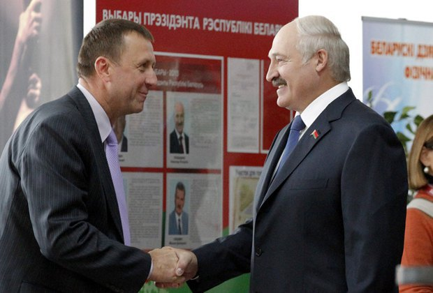 Лукашенко на избирательном участке