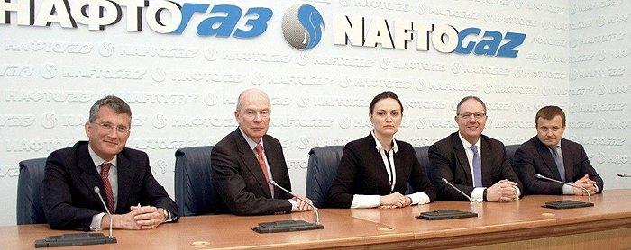 Заседание наблюдательного совета Нафтогаза (слева-направо): Чарльз Проктор, Пол Уорвик, Юлия Ковалив, Маркус Ричардс и Владимир Демчишин.