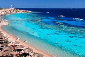 Нова влада Єгипту обіцяє не позбавляти туристів спиртного