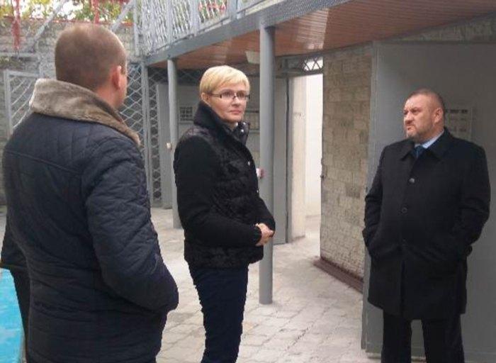 Оксана Пащенко під час візиту до Темнівської виправної колонії