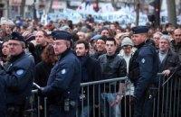 СМИ узнали о шести остающихся на свободе организаторах терактов в Париже